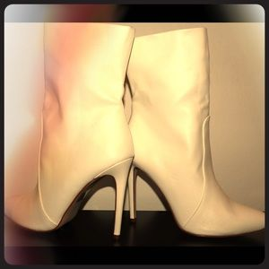 Woman's white boots